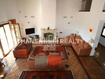Spacious Villa with Impressive Views - Villa for rent in Benahavis