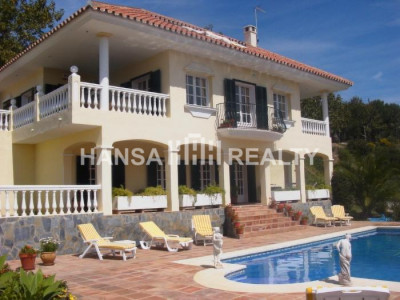 VILLA IN ELVIRIA WITH STUNNING SEA AND MOUNTAIN VIEWS,MARBELLA
