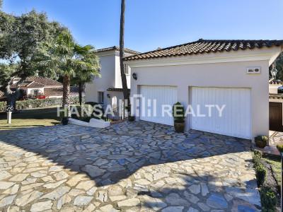 Delightful villa in quiet area of Sotogrande Costa