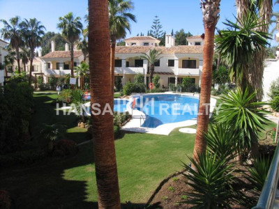 Beautiful townhouse in a quiet Atalaya neighbourhood