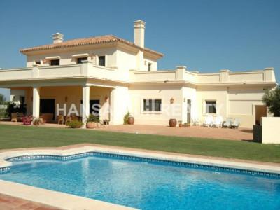 Elegante villa op de golfbaan van San Roque