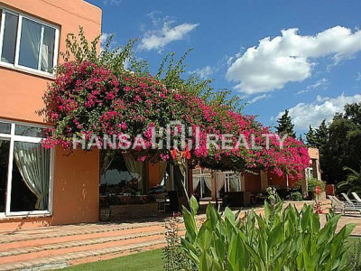 Spectacular villa close to the natural reserve -For sale or rent