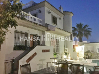 BEACHSIDE VILLA IN LAS CHAPAS PLAYA MARBELLA