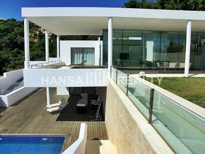 CONTEMPORARY VILLA IN LA MAIRENA,MARBELLA