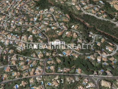 Exceptional plot in prestigious area of Elviria, Marbella