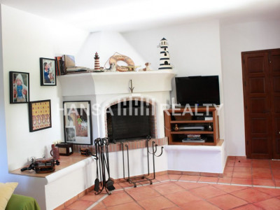 EXTENSIVE RURAL PROPERTY MANILVA