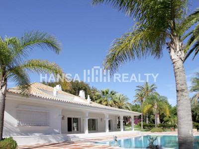 Front line golf villa in Marbella