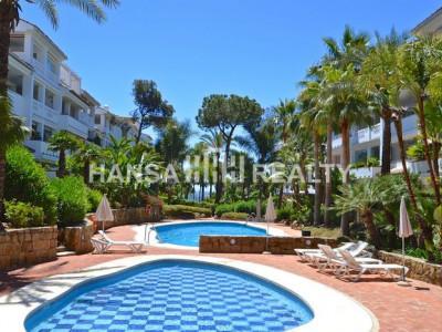 Apartamento en una urbanización con acceso a la playa