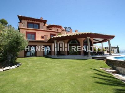BEAUTIFUL VILLA WITH VIEWS OF THE COAST,MARBELLA