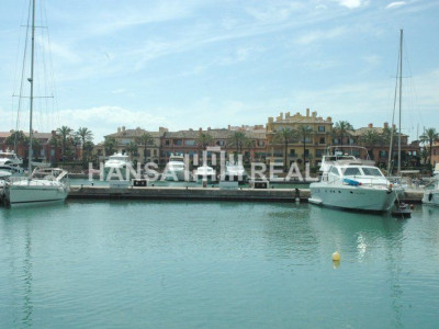 15 m Berth in main port of Sotogrande