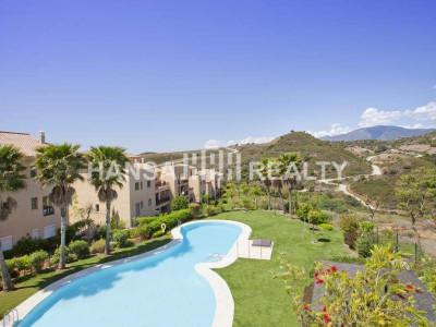 Luxury apartment located near estepona