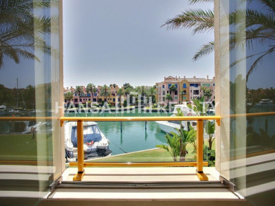 Beautiful 3-bed apartment in Sotogrande Marina