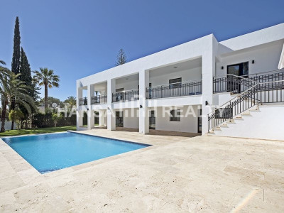 FULLY RENOVATED FRONT LINE GOLF VILLA LAS BRISAS
