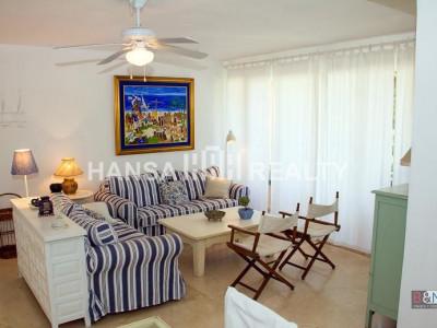 Recently refurbished 2 bedroom apartment in Sotogrande Old Port.