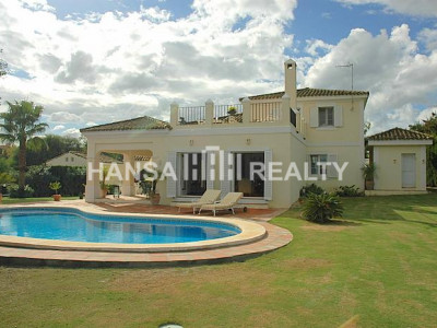 Nice Villa with sea views close to Almenara Golf
