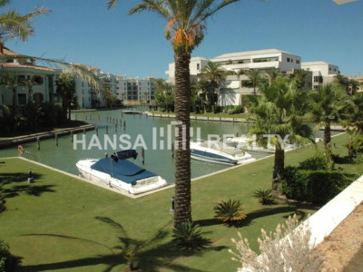 Modern apartment in the heart of the Marina of Sotogrande
