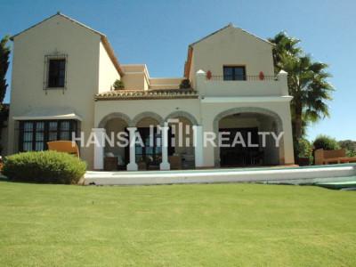 Ample villa in Los Cortijos de la Reserva in Sotogrande