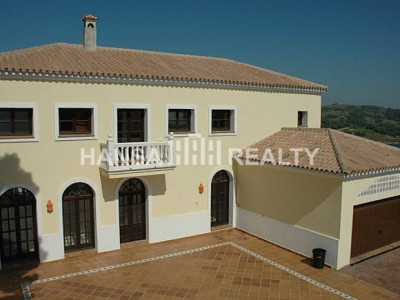 Comfortable villa close to golf, school and Spa of Almenara