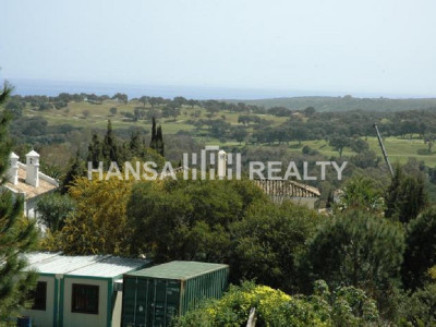 Well positioned plot next to Almenara