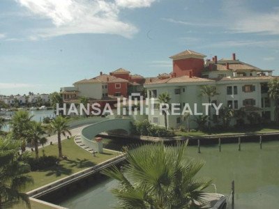 Waterfront apartment in the Marina of Sotogrande