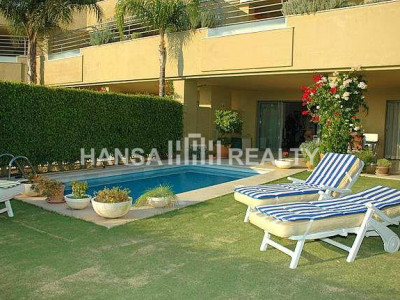 Exklusives Apartment mit Garten in Sotogrande