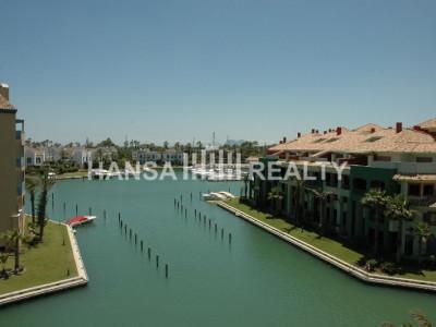 Penthouse exclusif avec des vues merveilleuses dans la Marina de Sotogrande
