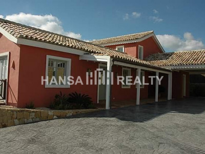 Ample villa with stunning views in for rent in Sotogrande Alto - Villa for rent in Sotogrande Alto, Sotogrande