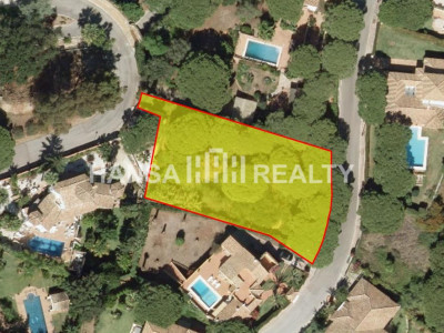 BUILDING PLOT IN ELVIRIA
