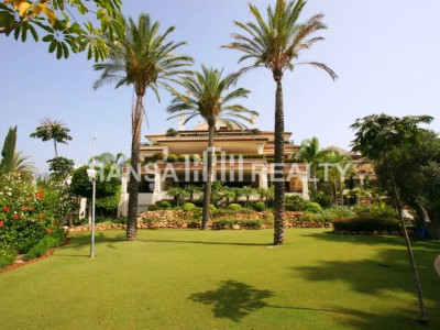 FRONTLINE BEACH APARTMENT,MARBELLA