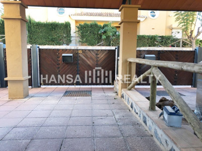 BEAUTIFUL RENOVATED SEMI DETACHED VILLA MARBELLA EAST