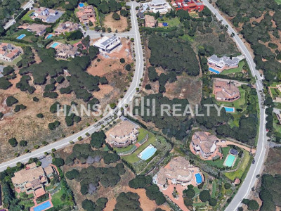 Plot with fantastic views in Almanara, Sotogrande