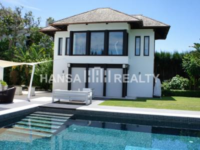 Luxury 6 bedroom villa in San Roque Club for short term rent