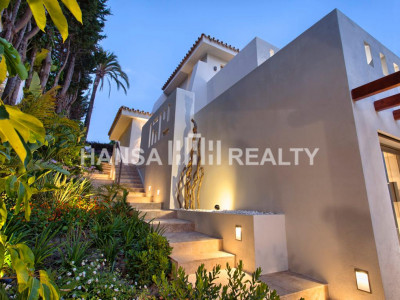 UNIQUE LOCATION VILLA NUEVA ANDALUCIA MARBELLA