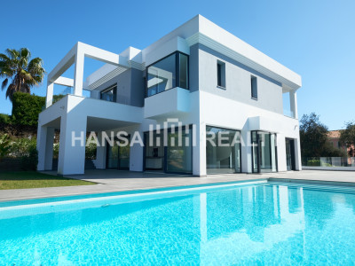 NEW BUILT QUALITY VILLA IN RESIDENTIAL MARBELLA EAST