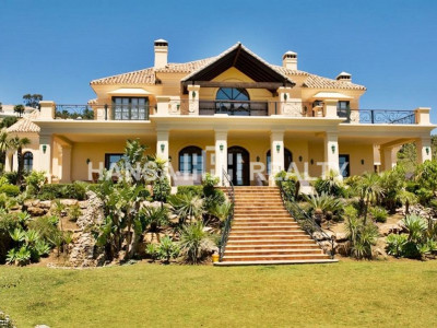 Luxury 8 bedroom family home for rent in La Zagaleta with sea views.