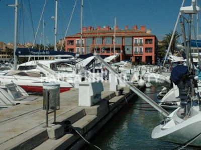 Atraque en frente del Hotel Marítimo Sotogrande
