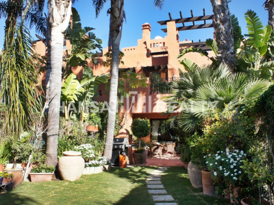 LUXURY TOWNHOUSE GOLDEN MILE MARBELLA