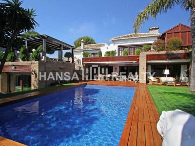 LUXURY VILLA IN SECURE URBANIZATION - Villa for rent in Hacienda las Chapas, Marbella East