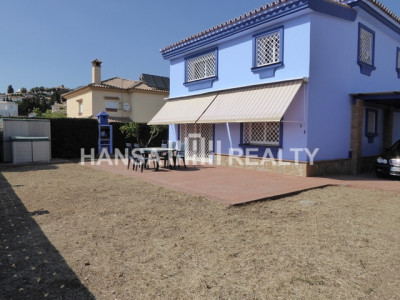 VILLA WITH GARDEN AND VIEWS IN FUENGIROLA