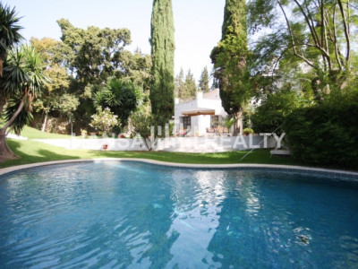 VILLA ANDALUSIAN STYLE WITH GARDENS IN MIJAS COSTA FOR SALE
