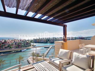 Modern ljus Duplex Penthouse i Sotogrande Marina