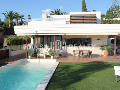 MODERN DESIGNED VILLA IN MIJAS COSTA