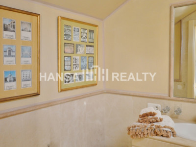 Luxurious Penthouse Apartment in Secure Complex Sotogrande