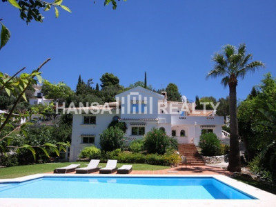 VILLA WITH AMAZING GARDEN AND POOL IN MIJAS