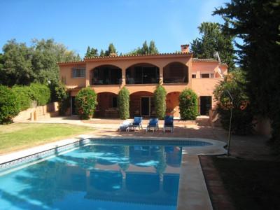 Sotogrande, South facing villa in Triana Villas.