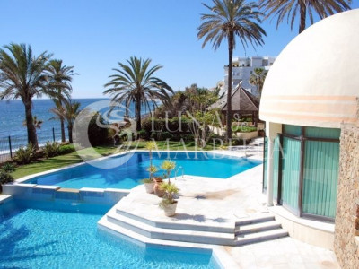 Villa en venta en Beach Side Golden Mile, Marbella Golden Mile