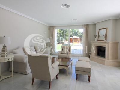 Villa for rent in Nueva Andalucia