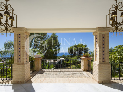 Mansion for sale in Marbella Golden Mile