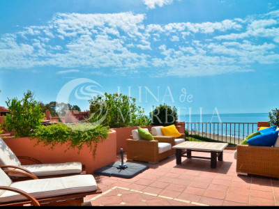 Penthouse for sale in Marbella East