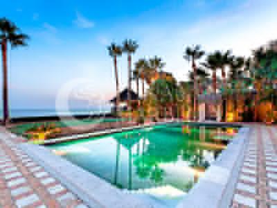Villa en venta en Los Monteros Playa, Marbella Este